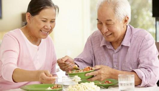 Cách tăng cường sức khỏe ở người cao tuổi