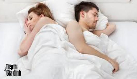 Vợ/chồng chớ vội nghi ngờ?