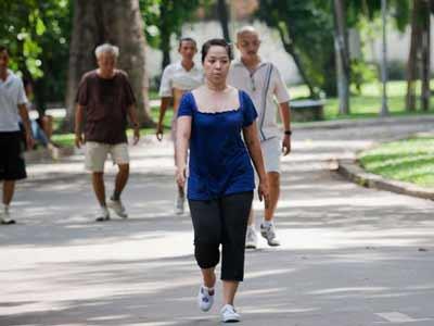 Đi bộ là môn phổ biến và dễ thực hiện nhất